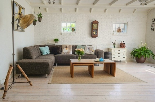 Living room interior - review of online homemaking course